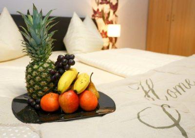Standard Zimmer mit Obstkorb