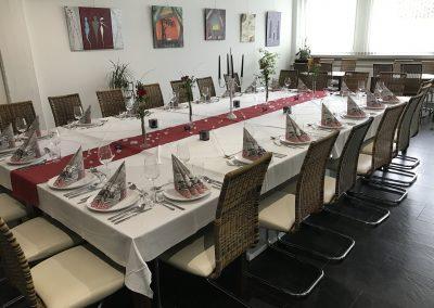 Weihnachtsfeier Tisch