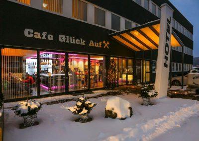 Hotel Fohnsdorf im Winter bei Nacht