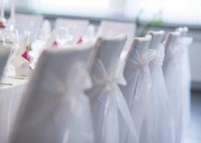 Vorbereiteter Raum für Hochzeit